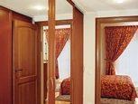 Шкаф-купе в спальне