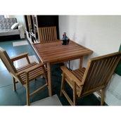 Комплект дерев'яних меблів для дачі