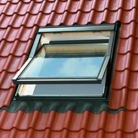Вікно горищне OMAN EN з центральною віссю 55х78 мм