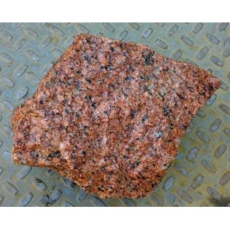 Бутовый камень красный