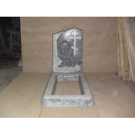Памятник из бетона под мрамор светло-серый