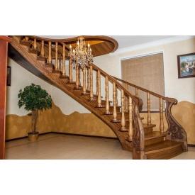 Элитная лестница из масива дуба