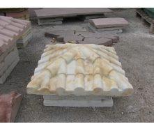 Крышка на столб Черепица 450х450х130 мм янтарь