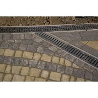 Установка лотков бетонных