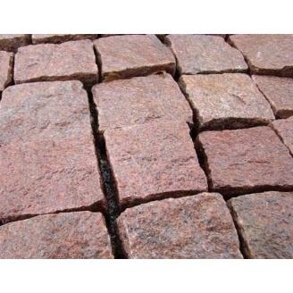 Гранітна бруківка з капустинського граніту колота 8х8х8 см червона