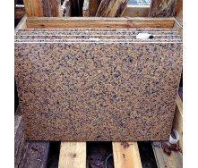Плитка облицовочная из Новоданиловского гранита 20 мм красно-коричневая