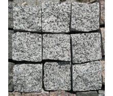 Гранитная брусчатка колотая Покостовка 8х8х8 см серая