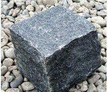 Брусчатка из колотого гранита Габбро 10х10х10 см темно-серая