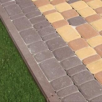 Поребрик Золотий Мандарин 1000х200х80 мм на сірому цементі коричневий