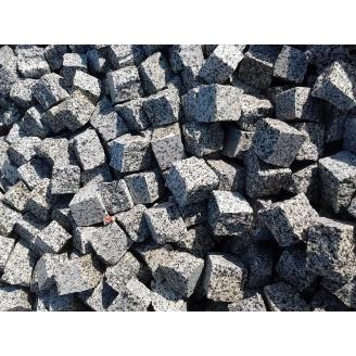 Бруківка з покостівського граніту колота 10х10х10 см сіра