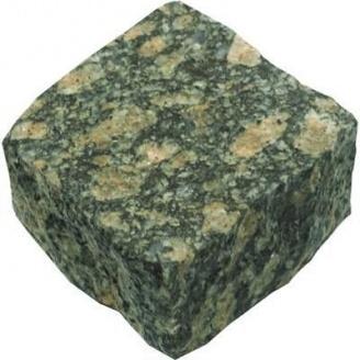 Колота бруківка з маславського граніту 10х10х5 см зелена
