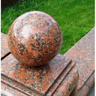 Гранитный шар полированный 12 см