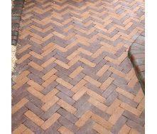 Тротуарна плитка Золотий Мандарин Барселона Антик 192х60х45 мм персиковий на сірому цементі