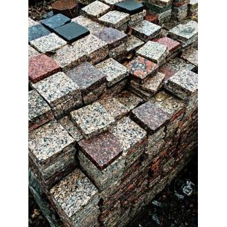 Гранітна бруківка тротуарна плитка для садових доріжок 10х10х3 см світло-сіра
