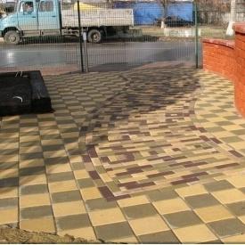 Тротуарна плитка Золотий Мандарин Квадрат великий 200х200х60 мм на білому цементі жовтий