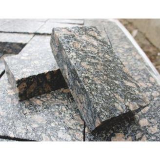 Тротуарна плитка з Корнинського граніту 20х10х3-5 см леопардова