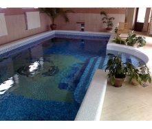 Строительство бассейна с мозаичным покрытием