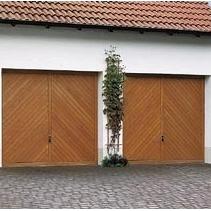 Подъемно-поворотные ворота Hormann Berry из пихты Hemlock гофр мотив 931