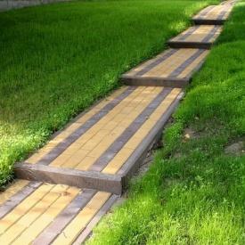 Мощение садовых дорожек