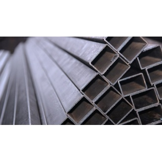 Труба профильная прямоугольная стальная 3сп5 100х60х3 мм