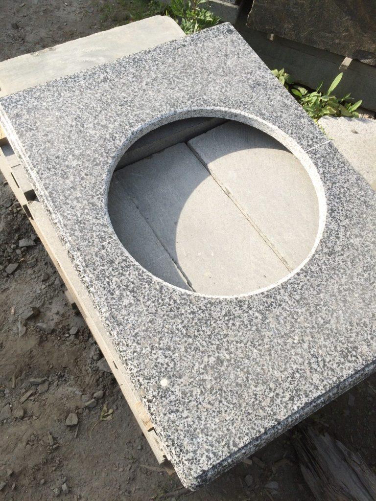 Готовый вариант небольшой столешницы из натурального камня