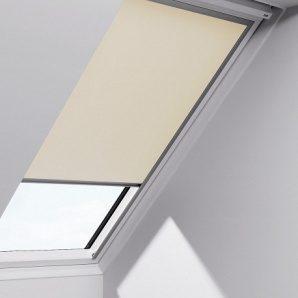 Рулонная штора VELUX RFL М06 на направляющих 78х118 см