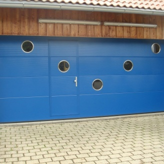 Ворота гаражные секционные Ryterna TLB slick микрополоса RAL 5010