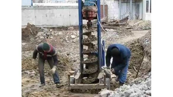 Буровые работы на участках с высоким уровнем грунтовых вод