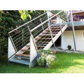 Лестница наружная Триумф Запад с металлическими перилами и деревянными ступенями