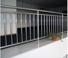 Перила Триумф Запад с вертикальным наполнением Французский балкон