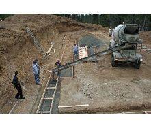 Заливка фундаменту бетоном