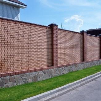 Будівництво цегляного паркану