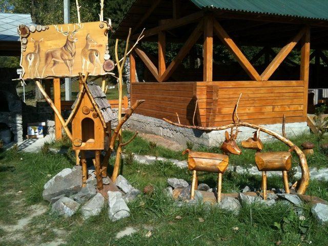 Декорации из дерева