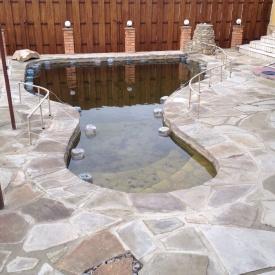 Облицовка бассейна натуральным камнем