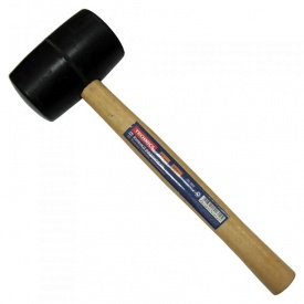 Киянка резиновая с деревянной ручкой 65 мм 700 г