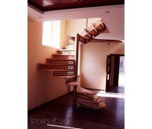 Изготовление оригинальной винтовой лестницы на металлическом каркасе