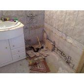 Демонтаж чавунної ванни