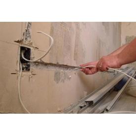 Монтаж кабеля связи с сечением до 6 мм2 в штробе по бетону