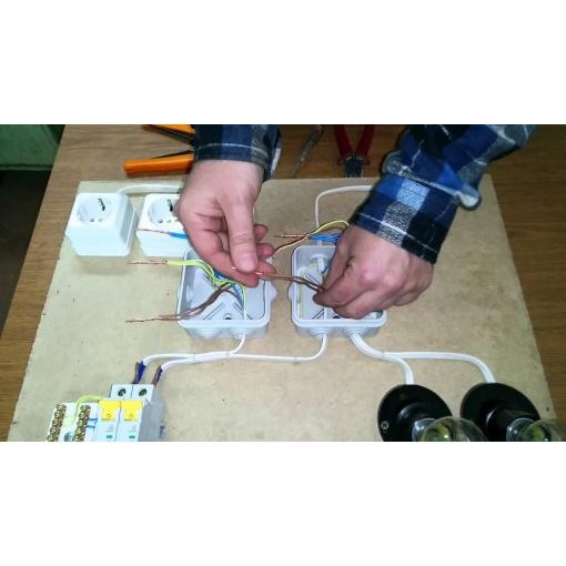 Электропроводка розетки на одном проводе схема6