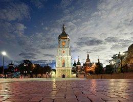 Михайловскую и Софийскую площади выложат гранитной брусчаткой