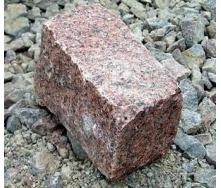 Брусчатка колотая гранитная Лезники 10х20х10 см