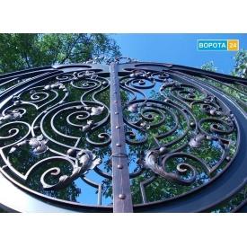 Уличные ворота с художественной ковкой