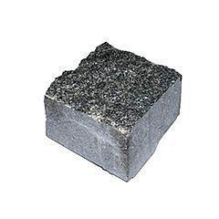 Бруківка з натурального каменю