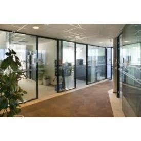 Изготовление и монтаж алюминиевых перегородок для офисов и торговых павильонов