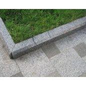 Установка гранітного тротуарного бордюру