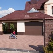 Секционные гаражные ворота ALUTECH TREND микроволна 2750х2500 мм RAL8014 коричневый