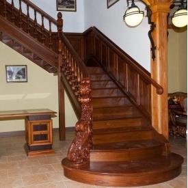 Лестница деревянная Гюмри №9
