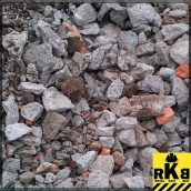 Вторинний щебінь з подрібненим бетоном навалом