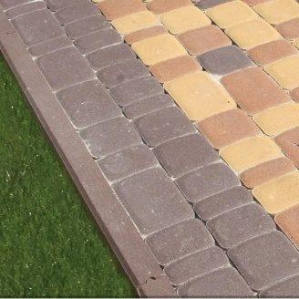 Поребрик Золотий Мандарин 500х200х60 мм на сірому цементі коричневий