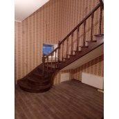 Изготовление лестницы из бетона обложенного ясенем